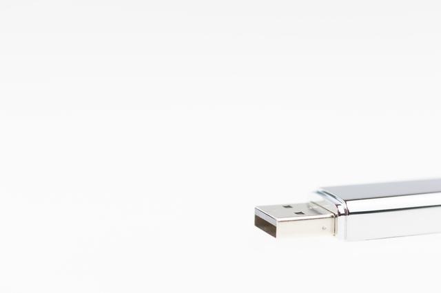 USBメモリの簡単な初歩や基本的な使い方・利用方法・仕様方法・やり方