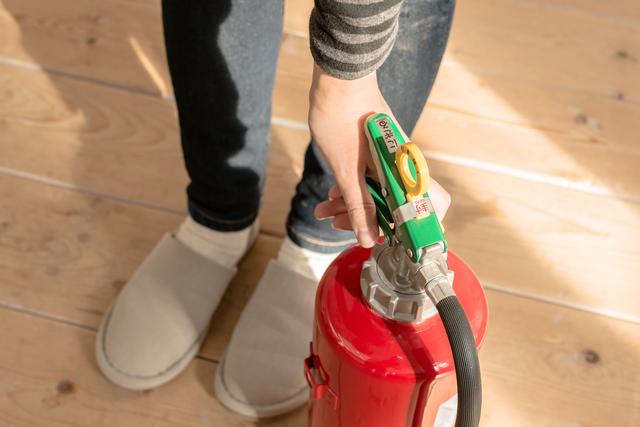 消火器イラストの簡単な初歩や基本的な使い方・利用方法・仕様方法・やり方