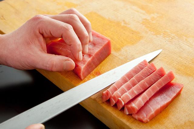 刺身包丁の簡単な初歩や基本的な使い方・利用方法・仕様方法・やり方