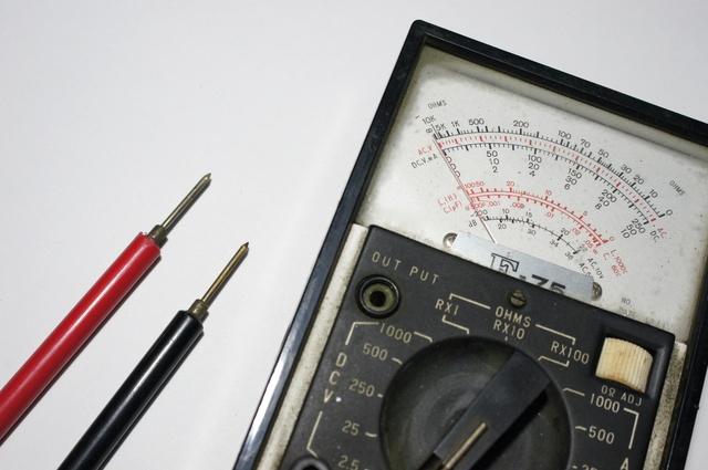 絶縁測定器の簡単な初歩や基本的な使い方・利用方法・仕様方法・やり方